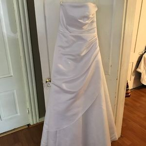 Size six wedding dress from David's Bridal